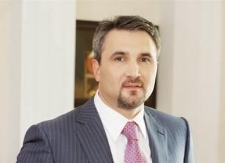 Олег Хусаенов